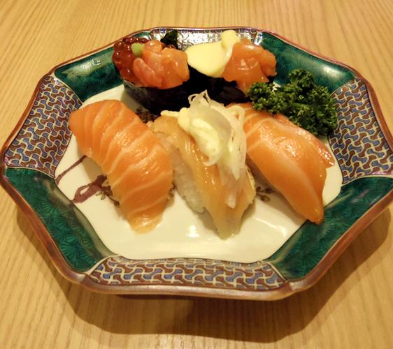 關西京都近郊最大級「三井 OUTLET PARK 滋賀龍王」迴轉壽司店「もりもり」